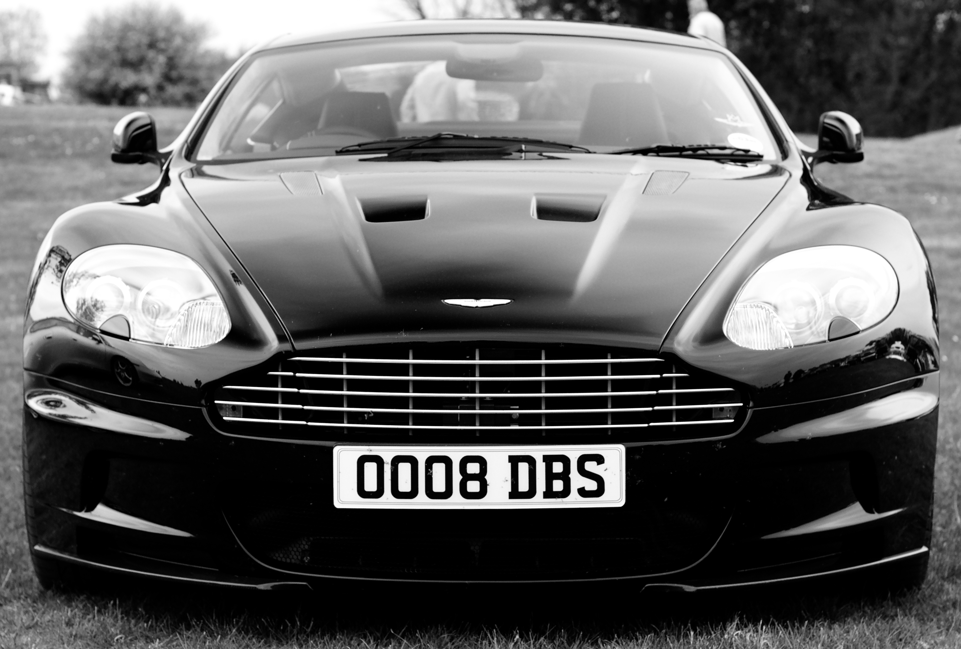 File Aston Martin Dbs V12 Coupe Front B W Jpg Wikimedia Commons