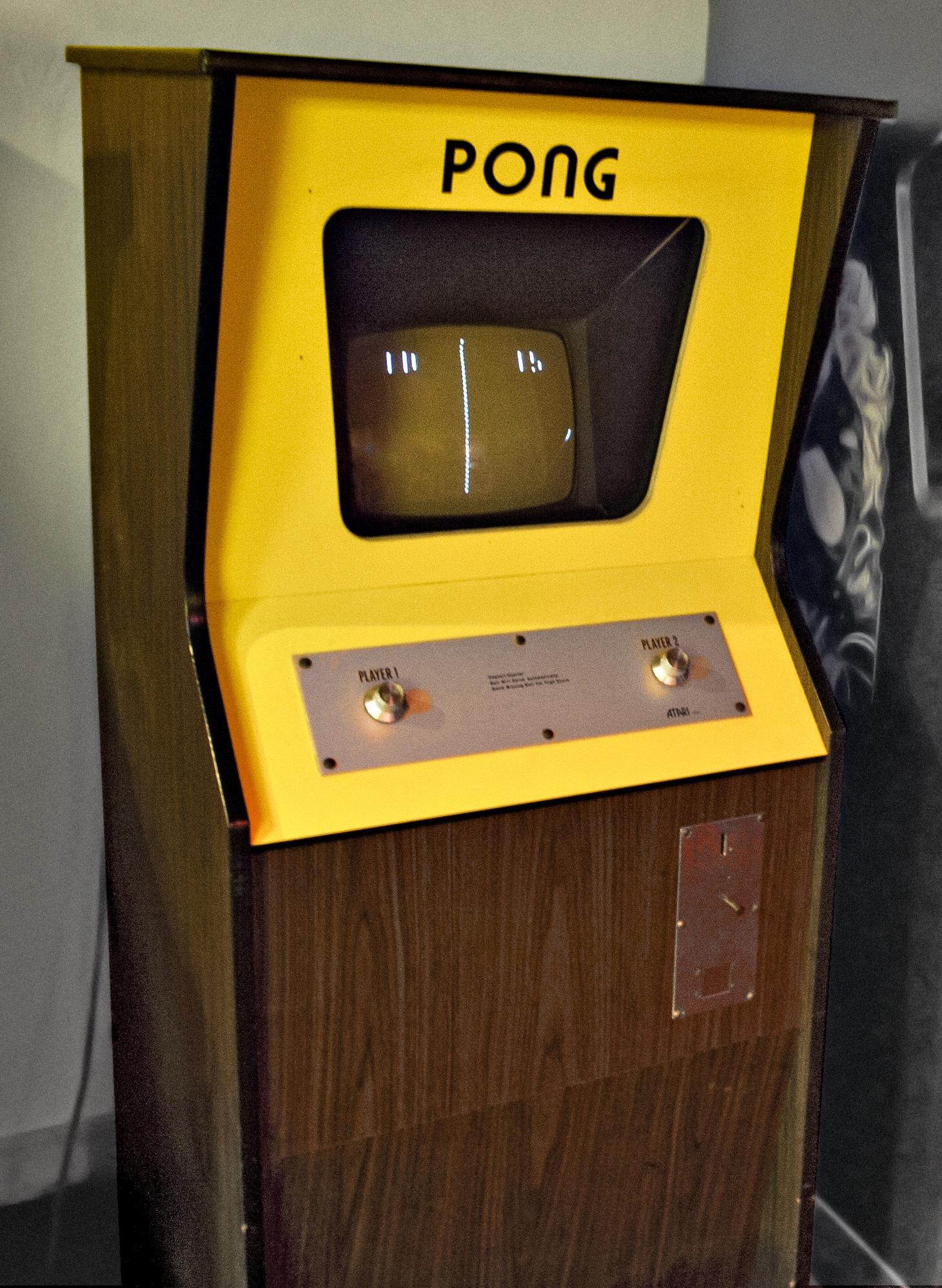 Pong della Atari, il primo gioco ad avere una musica apposita.