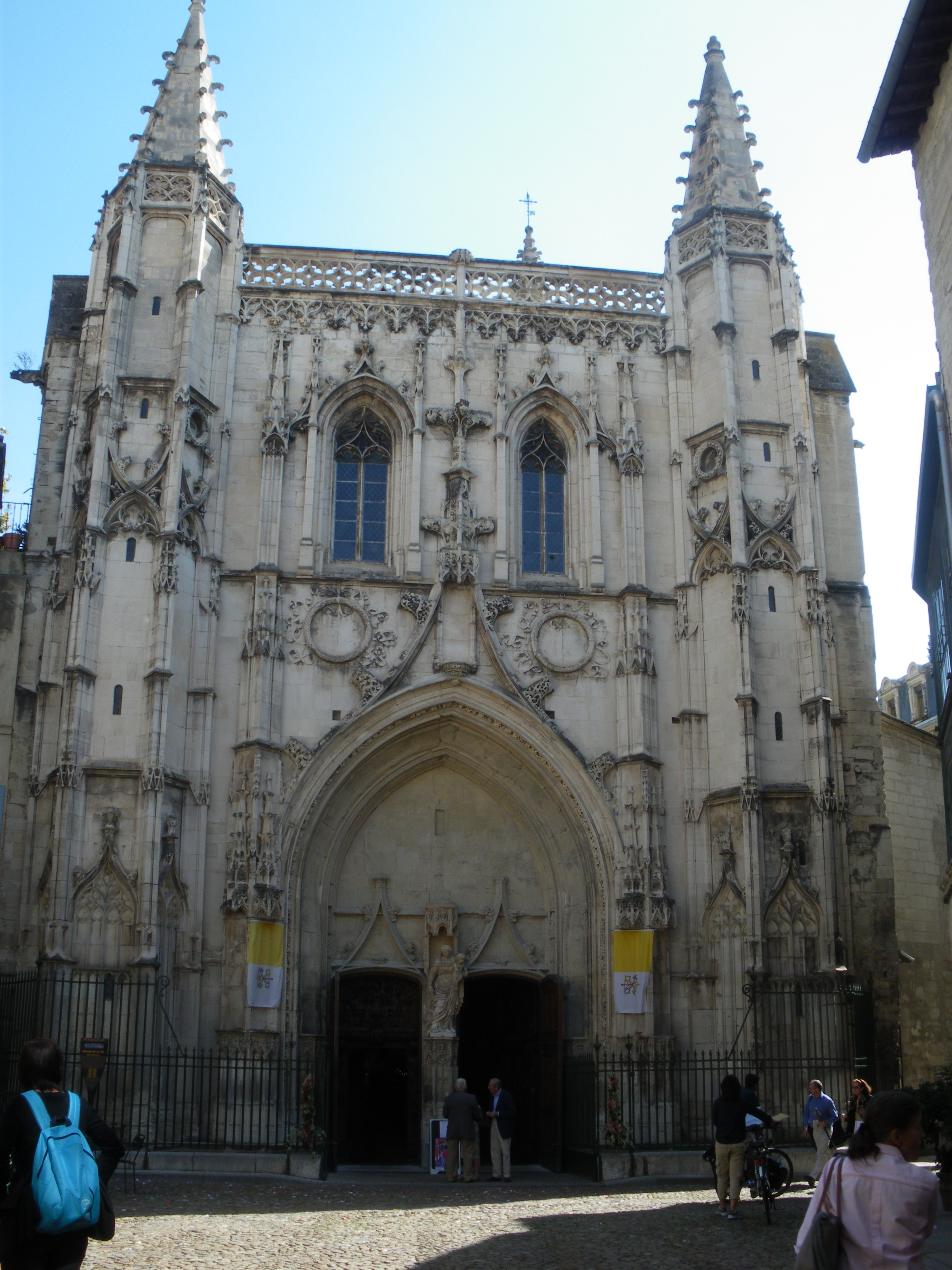 Basílica de San Pedro de Aviñón - Wikipedia, la enciclopedia libre
