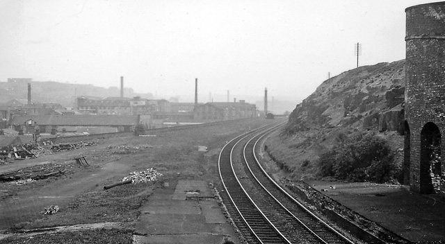 staincliffe and batley carr railway station wikipedia. Black Bedroom Furniture Sets. Home Design Ideas