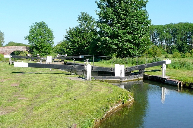Benham Lock - geograph.org.uk - 1341277