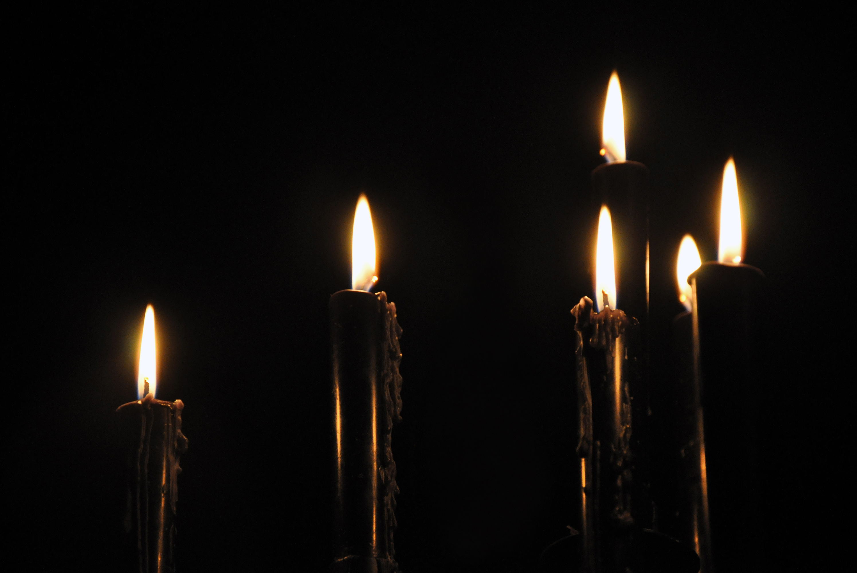 Design Gothic Candles black candles very elegant and perfect for a halloween gold glam gathering party pinterest candles