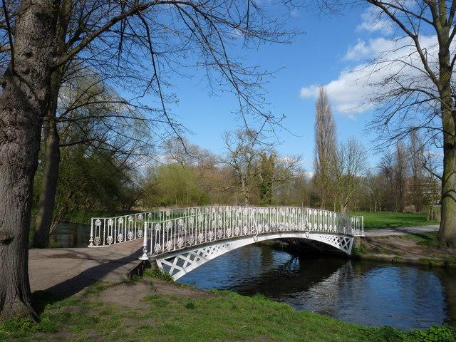 Bridge at Morden Hall - geograph.org.uk - 1230196