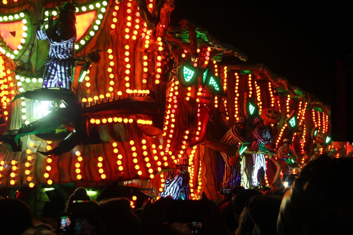 file:bridgwater carnival 2017 - ramblers cc (halloween in deadman's