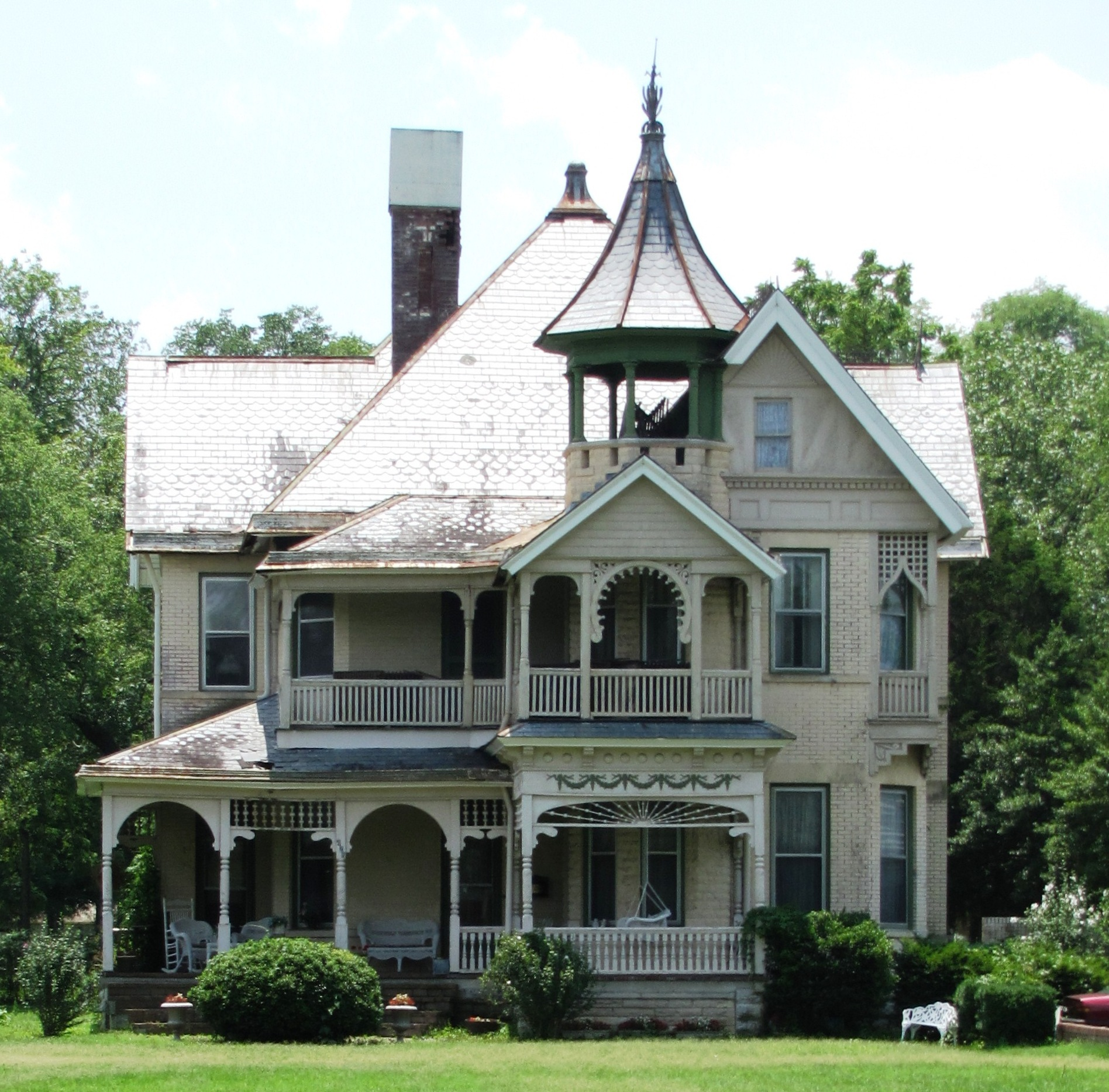 Rocky Hill Castle Is A Historic Plantation Home In Courtland Alabama in addition 2810801521 moreover Staunton Virginia Day Trip additionally Luxury Mansion additionally Small Queen Anne Victorian House Plans. on virginia farmhouse architecture
