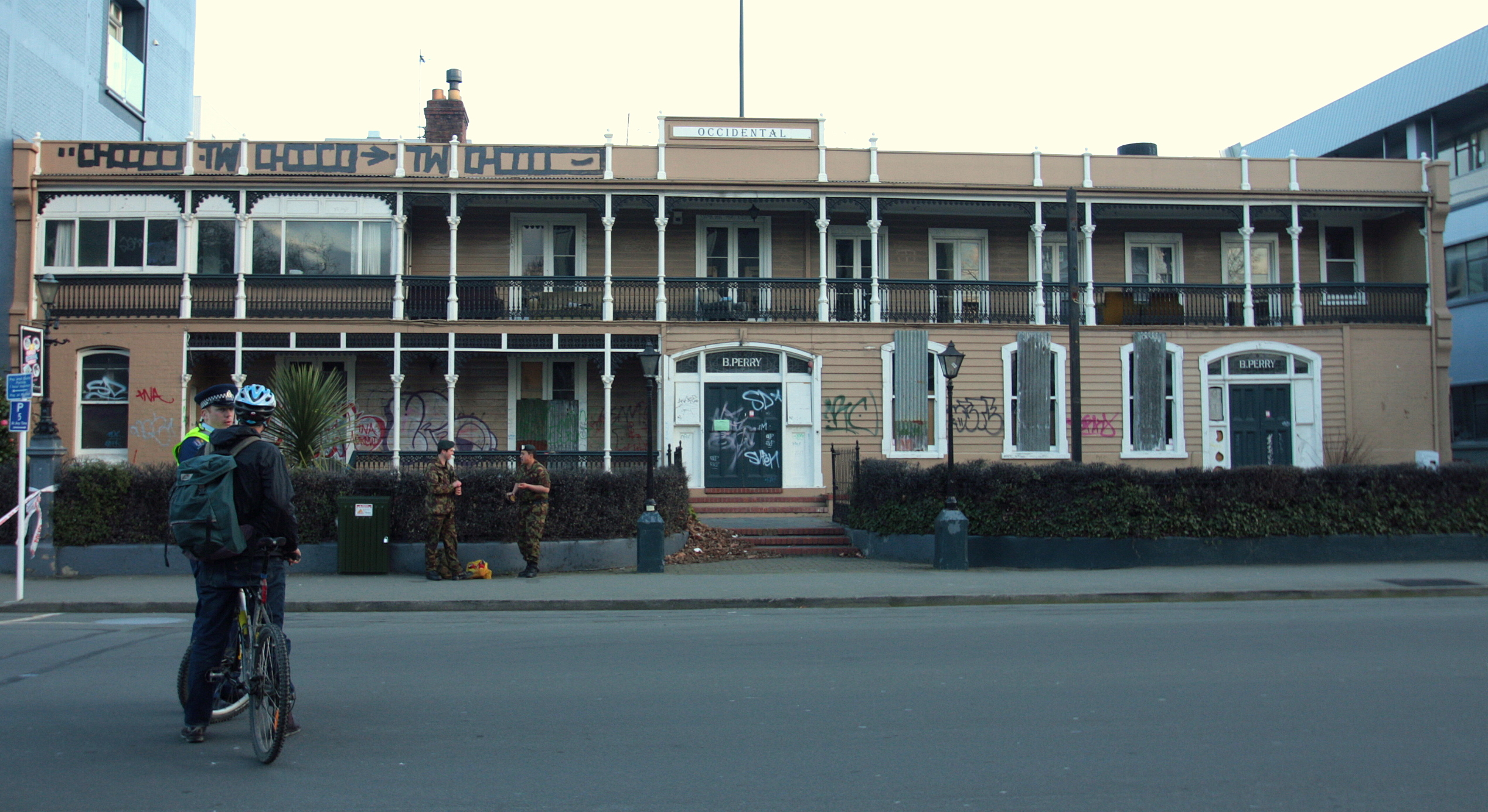 File Christchurch Earthquake Occidental Hotel Jpg Wikimedia