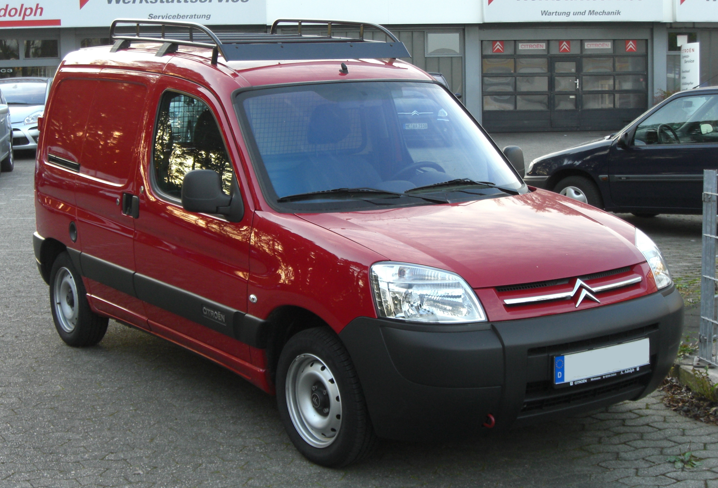 File citro n berlingo i facelift front jpg wikimedia commons for Berlingo interieur