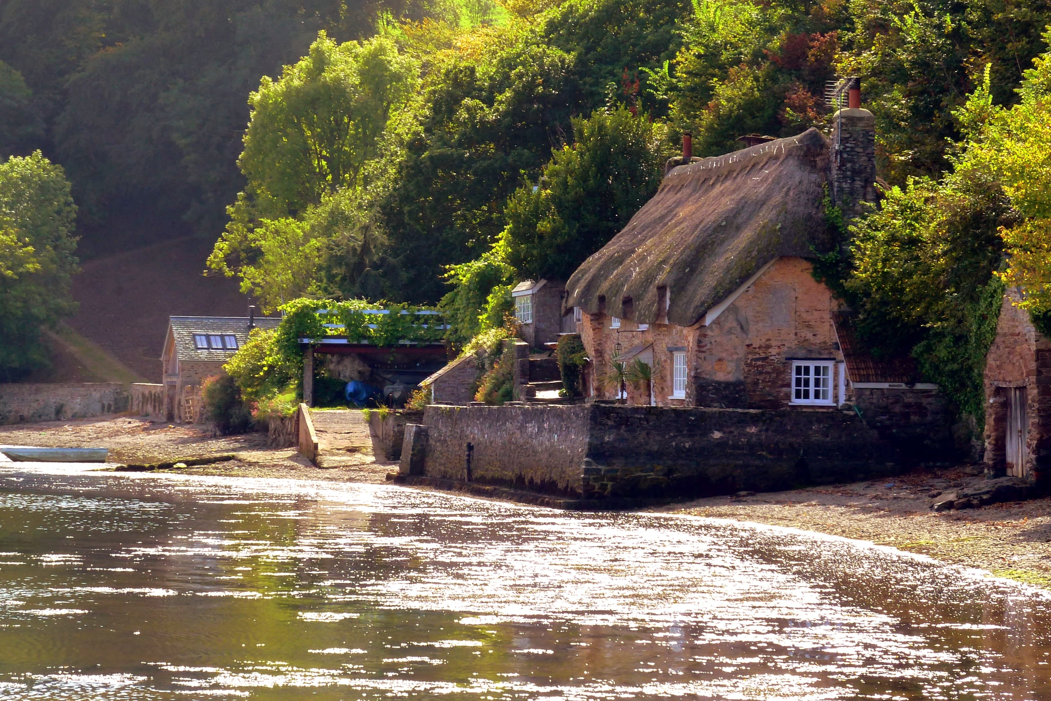 File Cottage By The Water At Dittisham Jpg