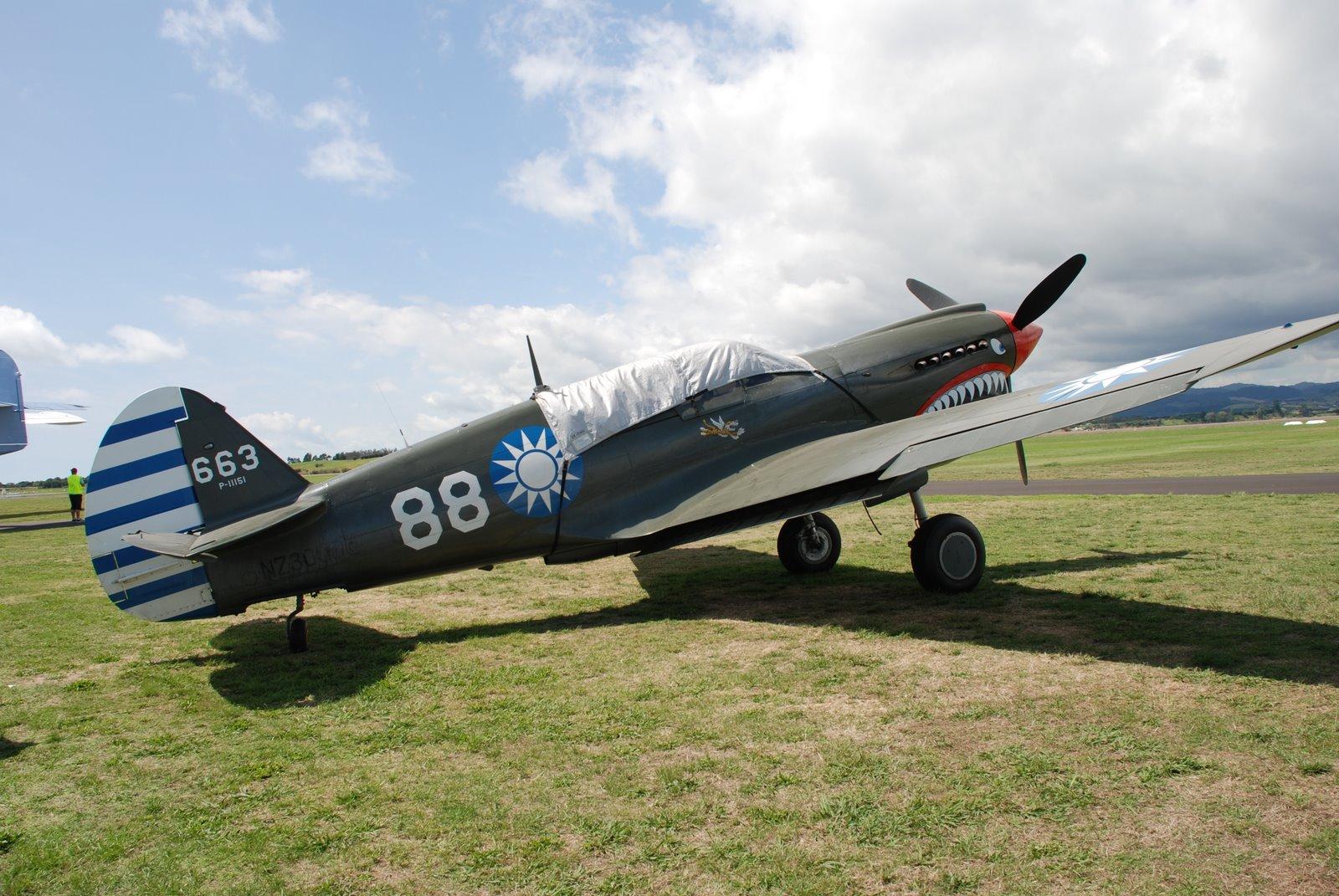 File:Curtiss P40-E Kittyhawk.jpg - Wikimedia Commons