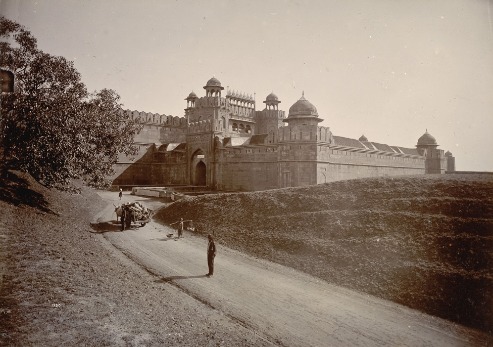 Delhi Gate of the Red Fort, Delhi. This is a photo taken during the period of British Raj  IMAGES, GIF, ANIMATED GIF, WALLPAPER, STICKER FOR WHATSAPP & FACEBOOK