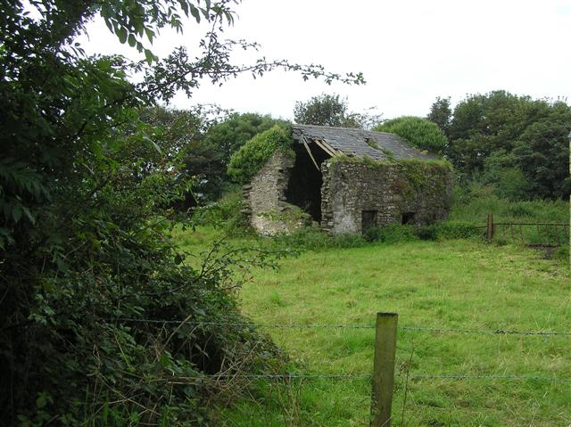File:Derelict farm building - geograph.org.uk - 1460502.jpg