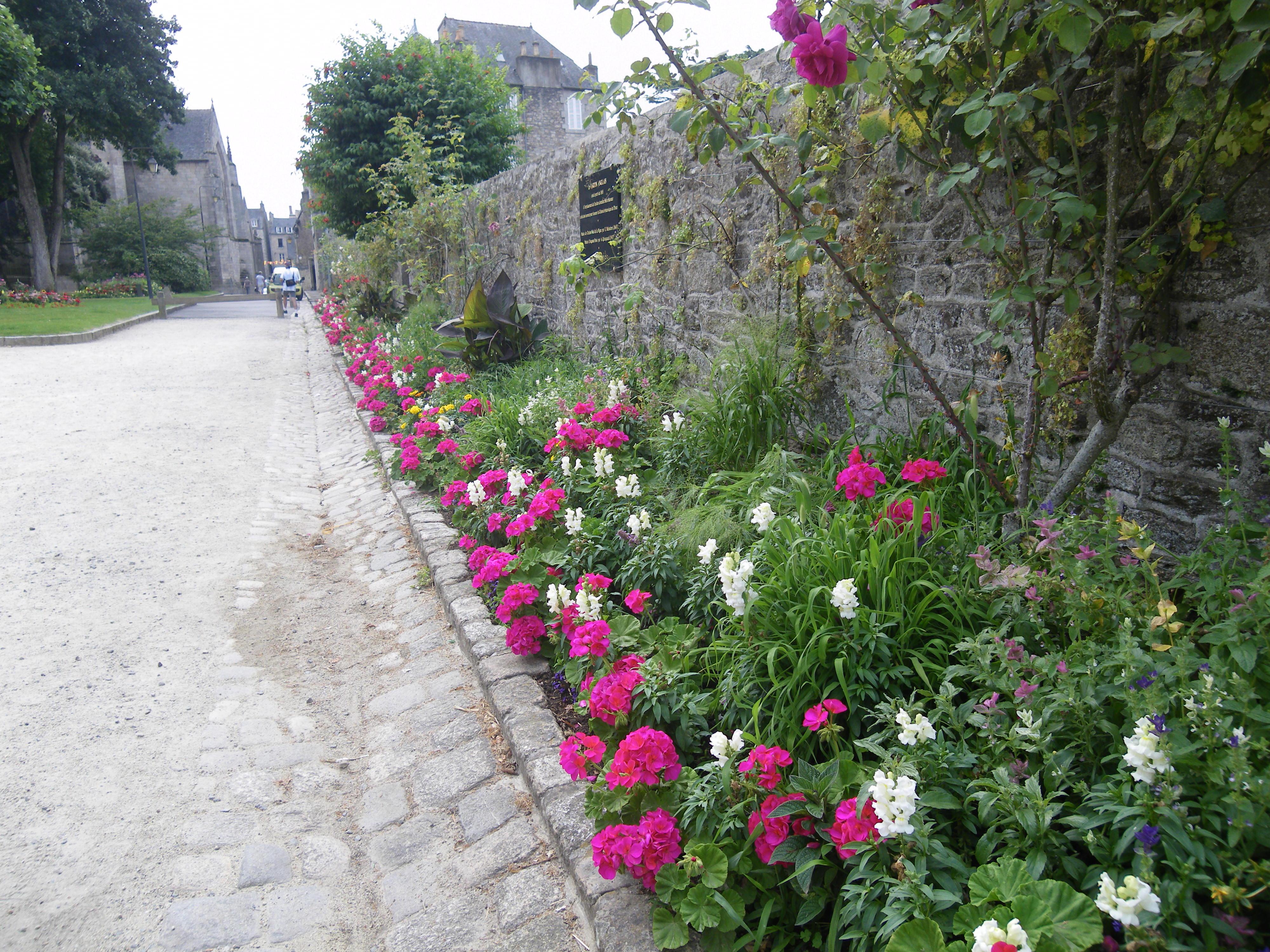 File Dinan Le Jardin Anglais Panoramio Jpg Wikimedia Commons