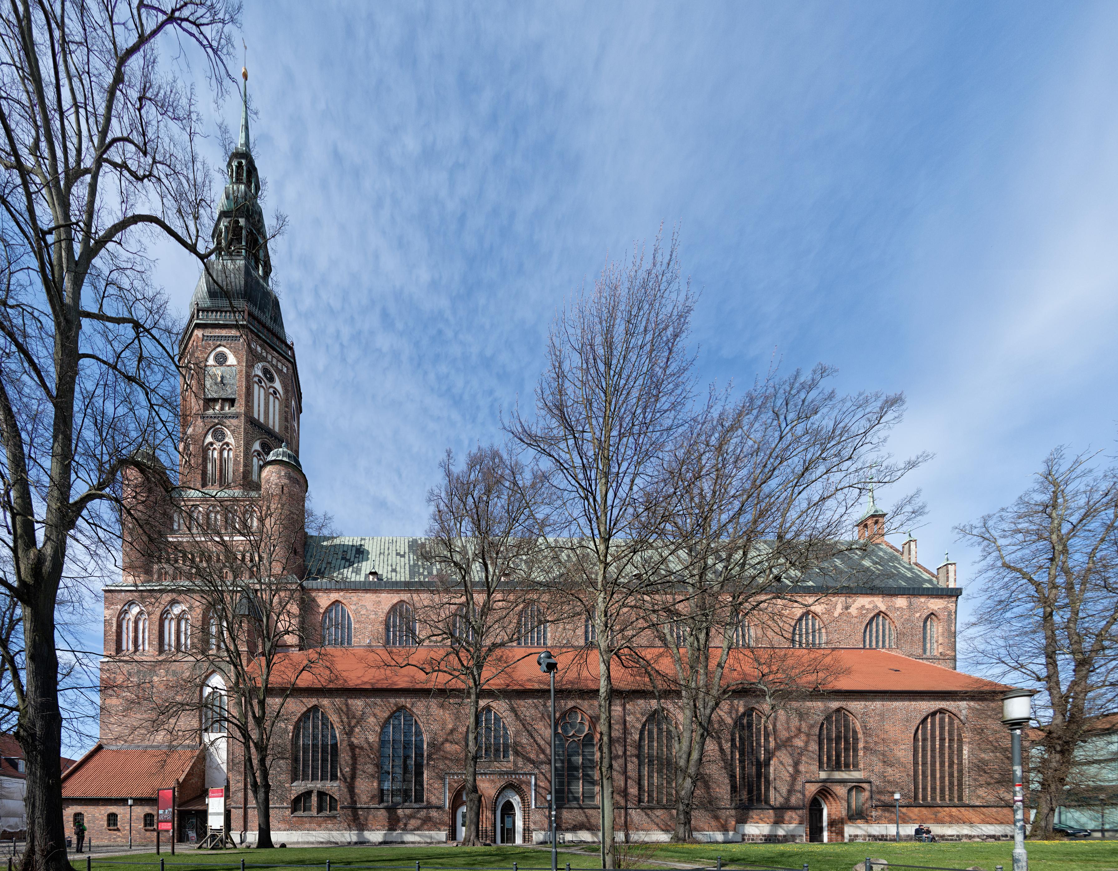 S:t Nikolai kyrka - Halmstads frsamling - Svenska kyrkan