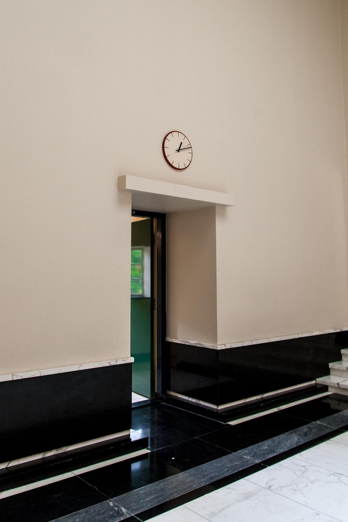 File:Dudok Raadhuis Hilversum interieur detail-03.jpg - Wikimedia ...