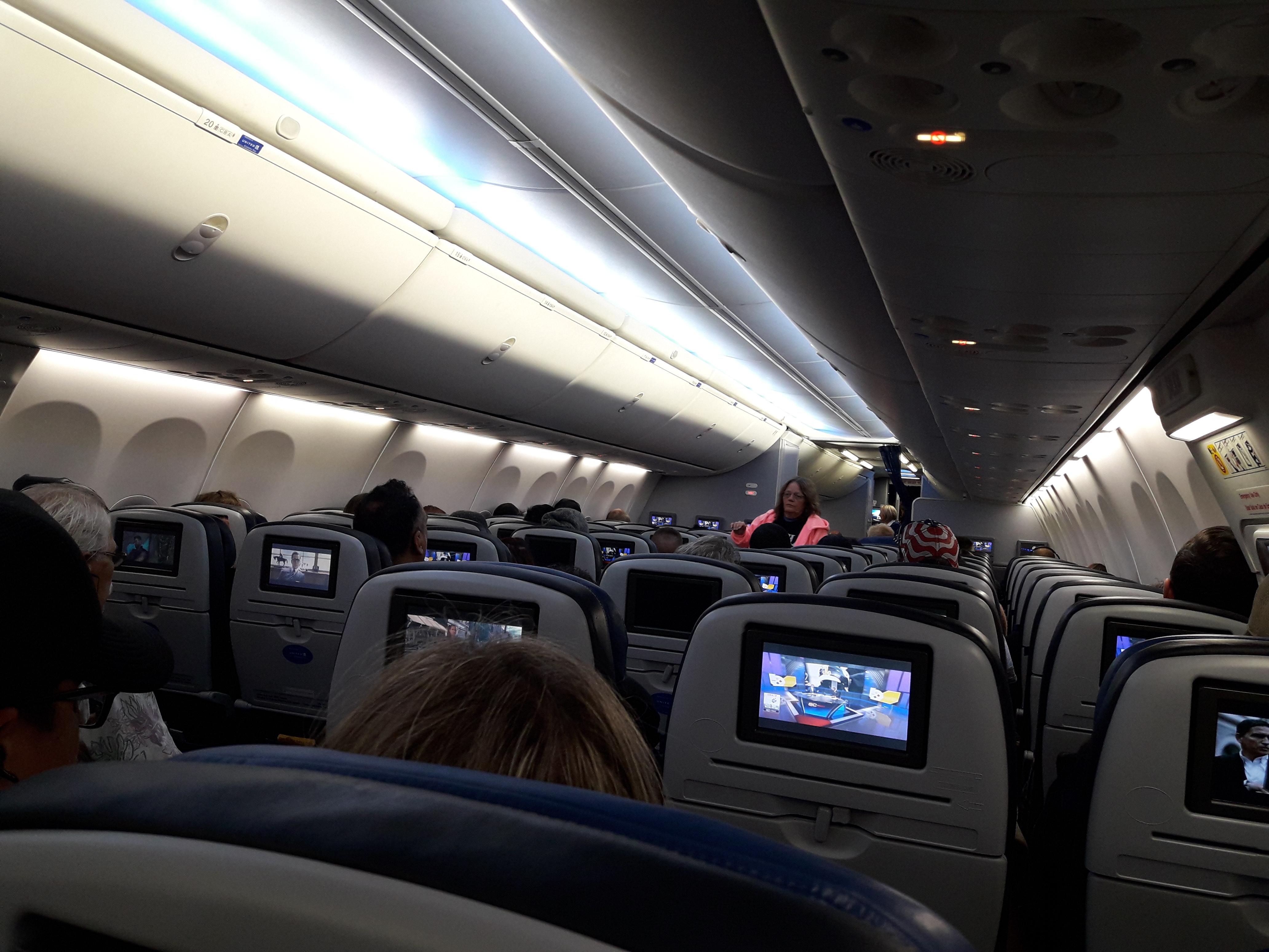 File Economy Plus Seats Inside A United Boeing 737 900 Jpg Wikimedia Commons