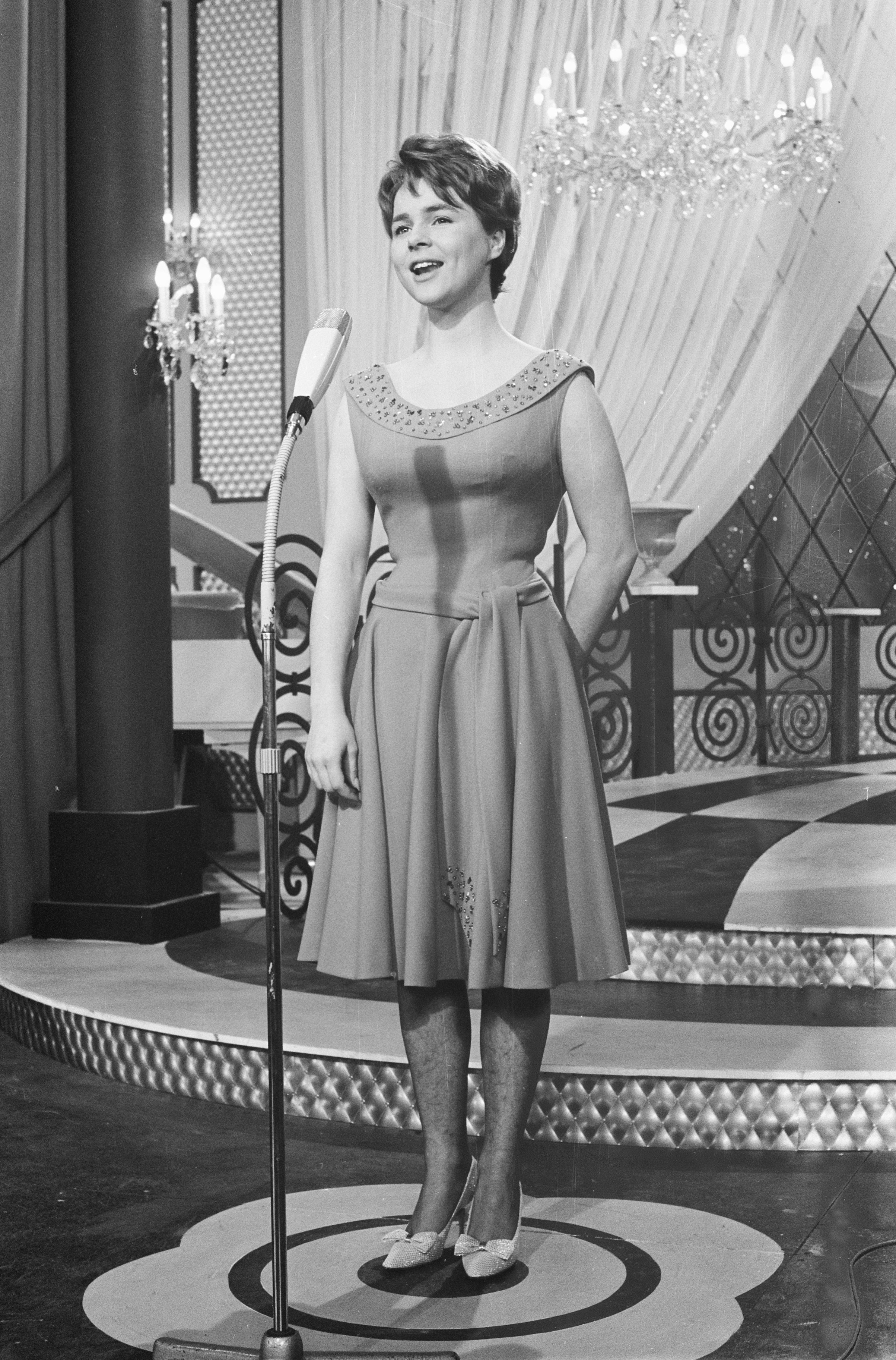 Conny Froboess Bilder file:eurovisie songfestival 1962 te luxemburg, voor