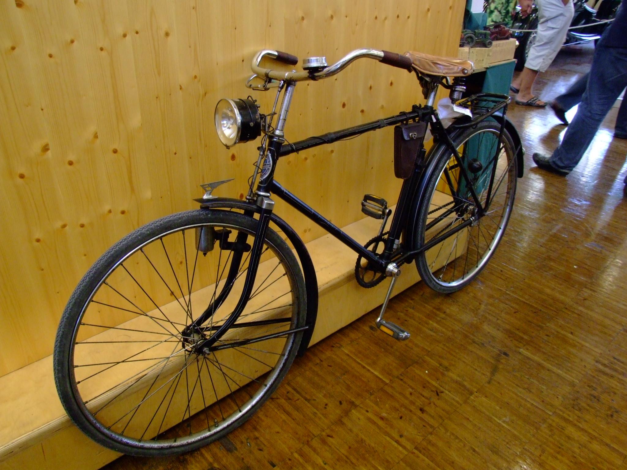 Datei:Fahrrad Brennabo...