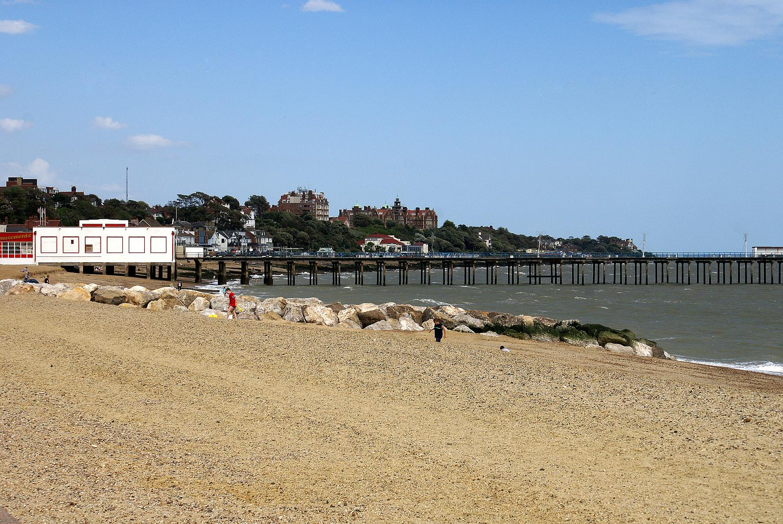 Felixstowe beach -Suffolk -England -14Aug2008.jpg