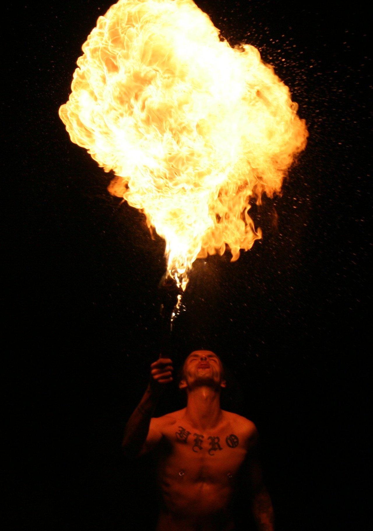 File Fire Breathing 20060715 7007 Collien Jpg
