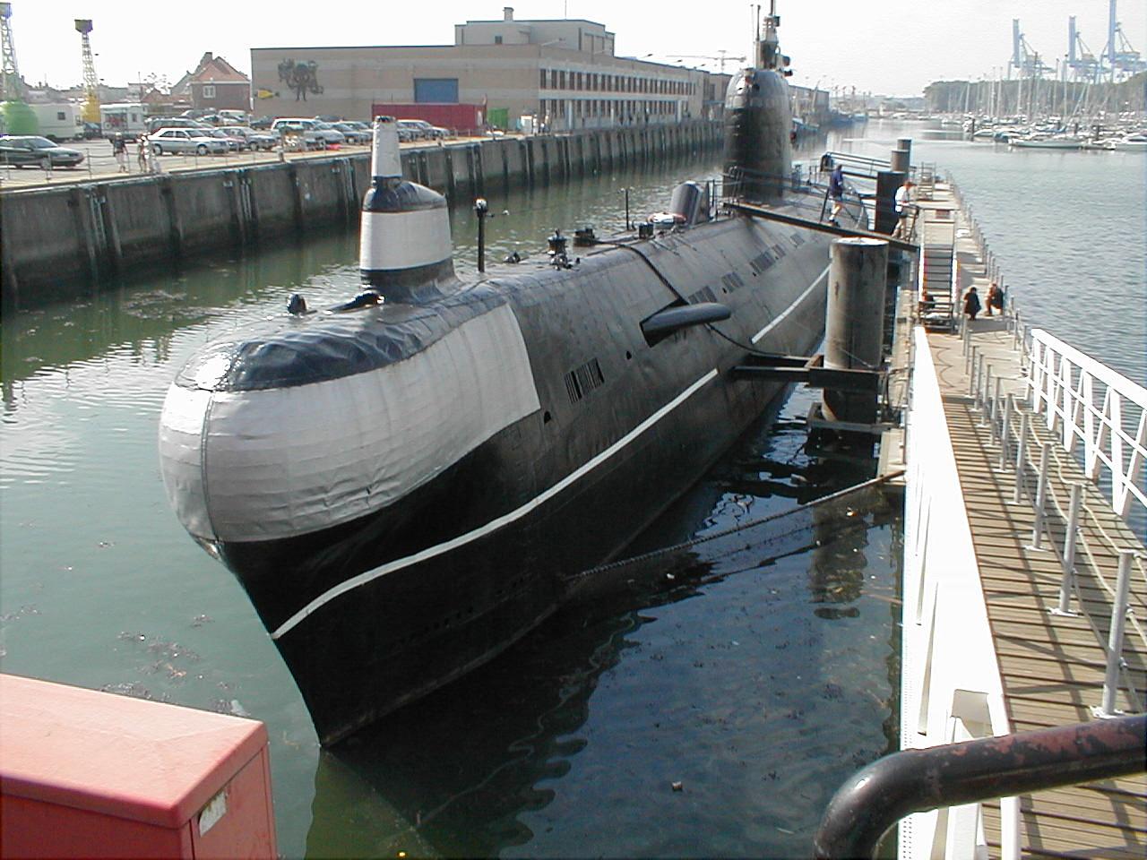 Russisches U-Boot vom Typ Projekt 641 in Zeebrugge