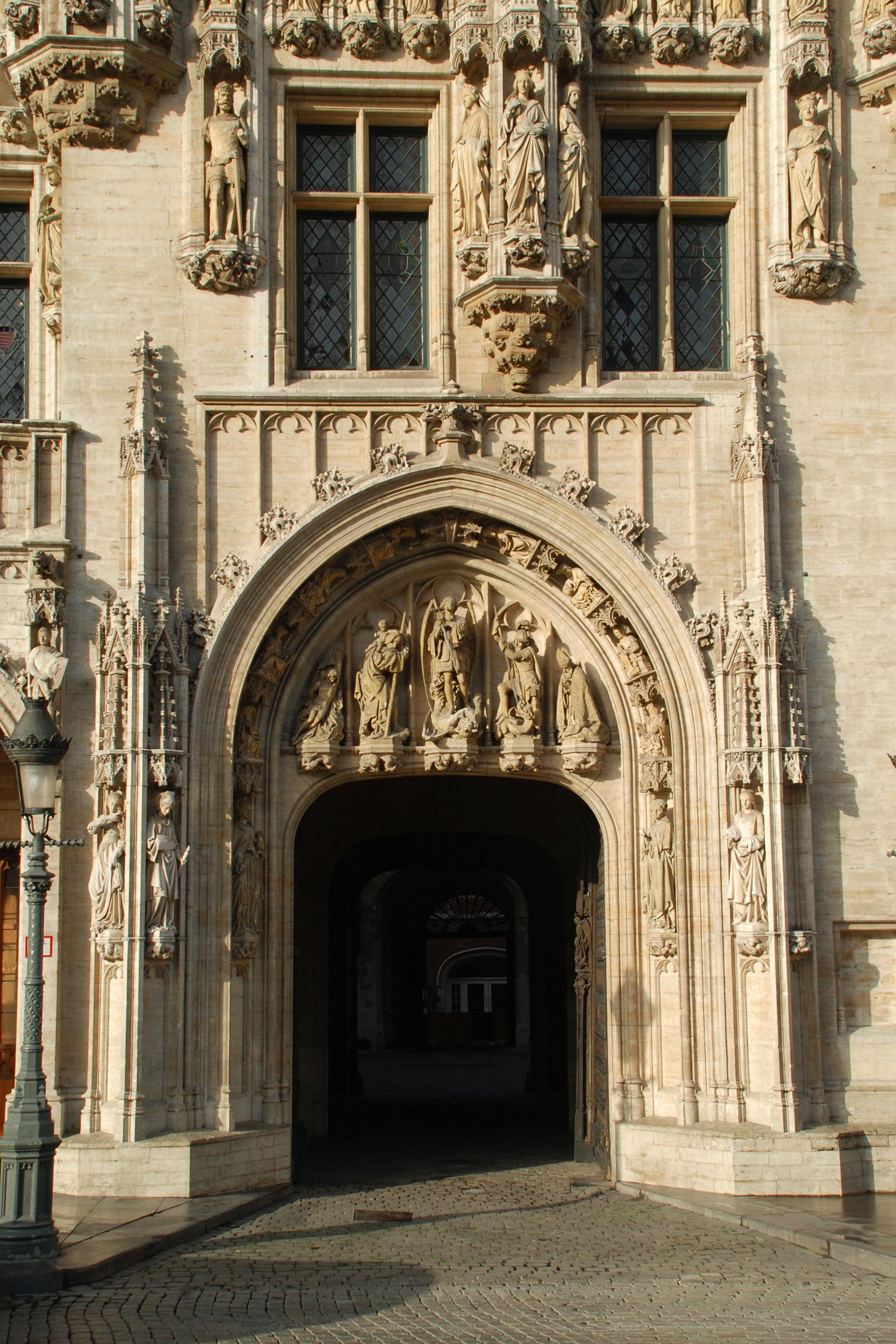 File h tel de ville de bruxelles portail 1 jpg for Hotel piscine bruxelles