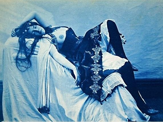 Photo de nue féminin réalisé par le célèbre dessinateur (cartoonist) Edward Linley Sambourne.