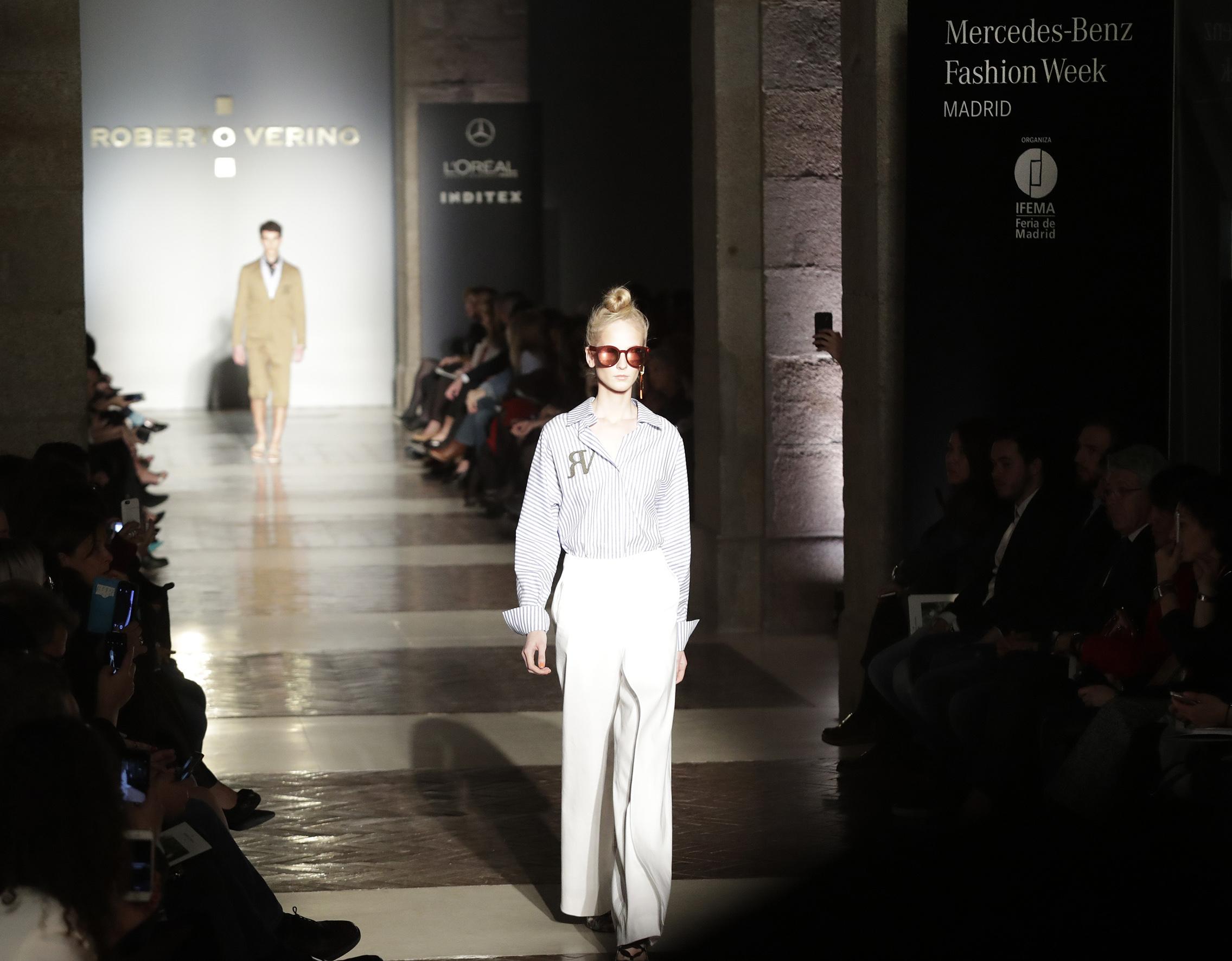 La mercedes benz fashion week 21