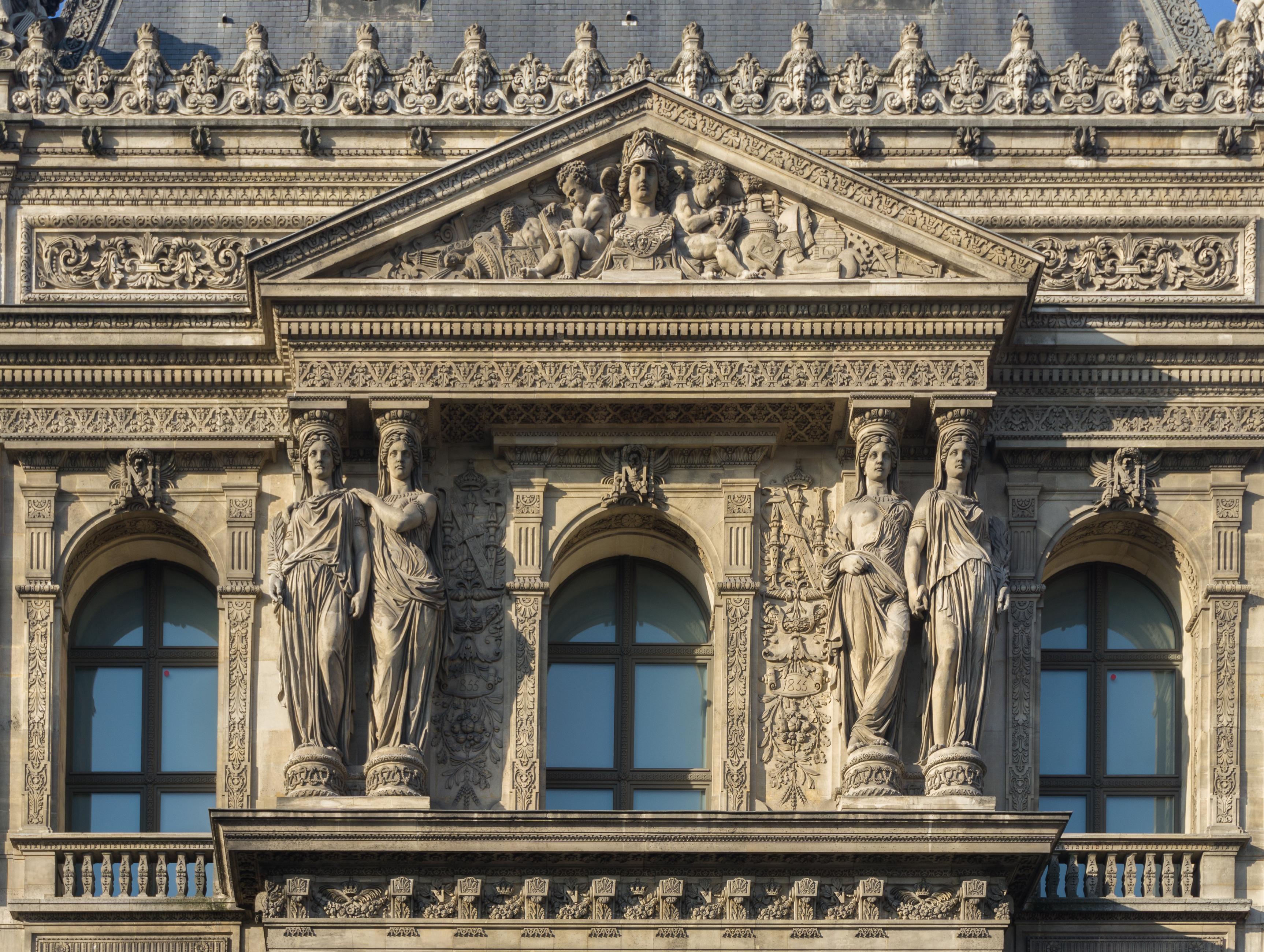 File Louvre Palace North Gate Top Closeup Jpg Wikimedia Commons