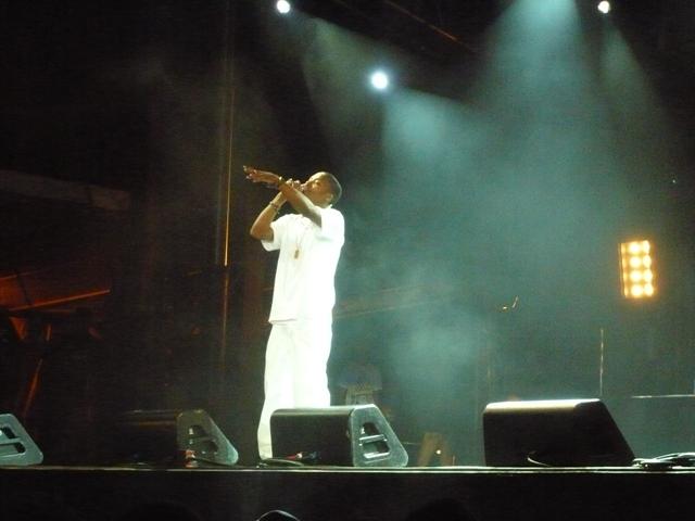 File:Lupe Fiasco in White.jpg