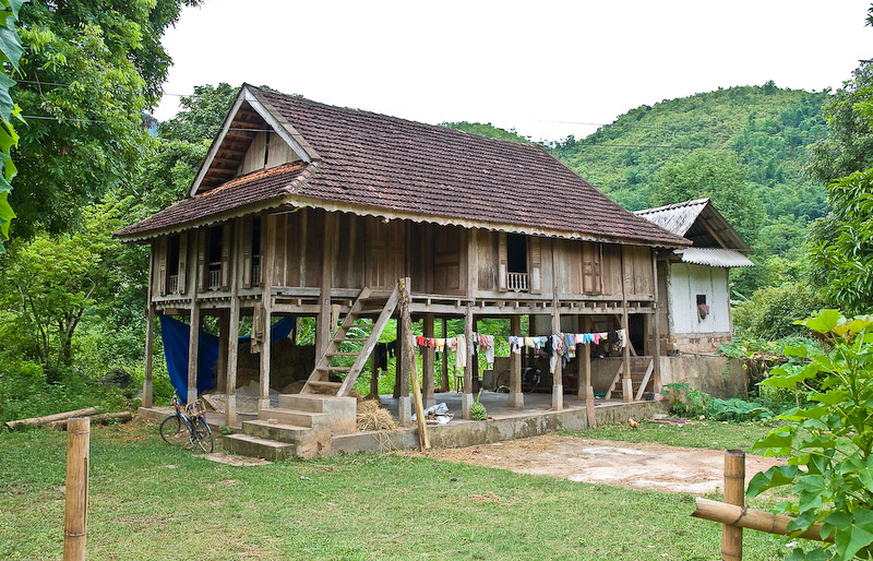 FileMai Chau Stilt Housejpg Wikipedia