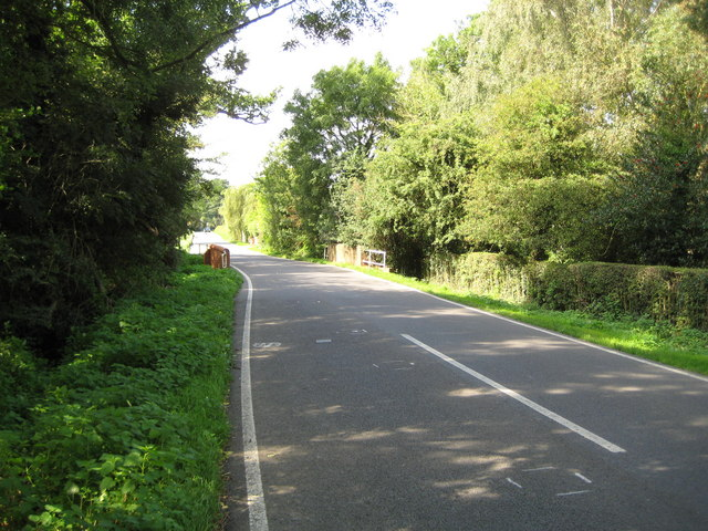 File:Moneyrow Green, The B3024 road at Gad Bridge - geograph.org.uk - 1032727.jpg