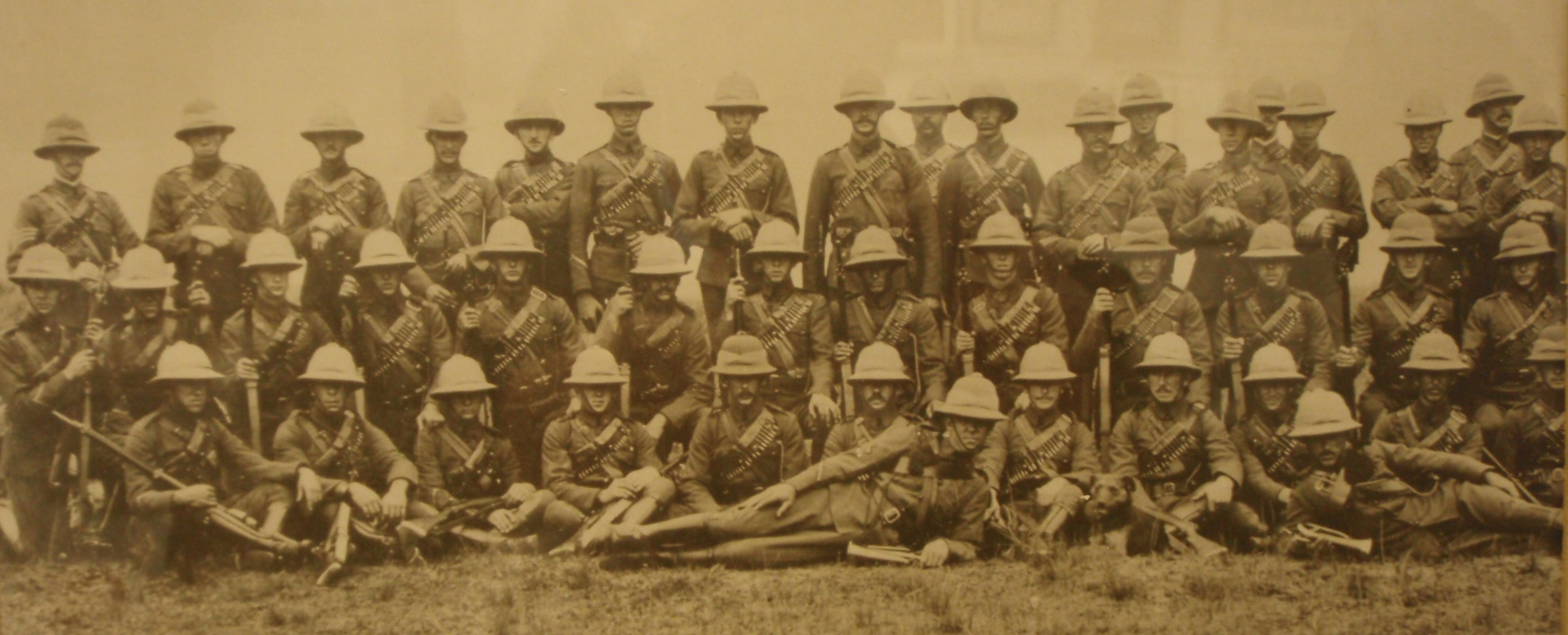 an overview of the british government in the boer war Battle of dundee (glencoe), october 20, 1899 boer generals and officers xxx   the boers under kruger revolted and secured limited self-government  boer  commandos fought a prolonged guerilla war against the british,.
