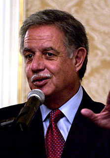 Oscar Berger 2005 (cropped).jpg