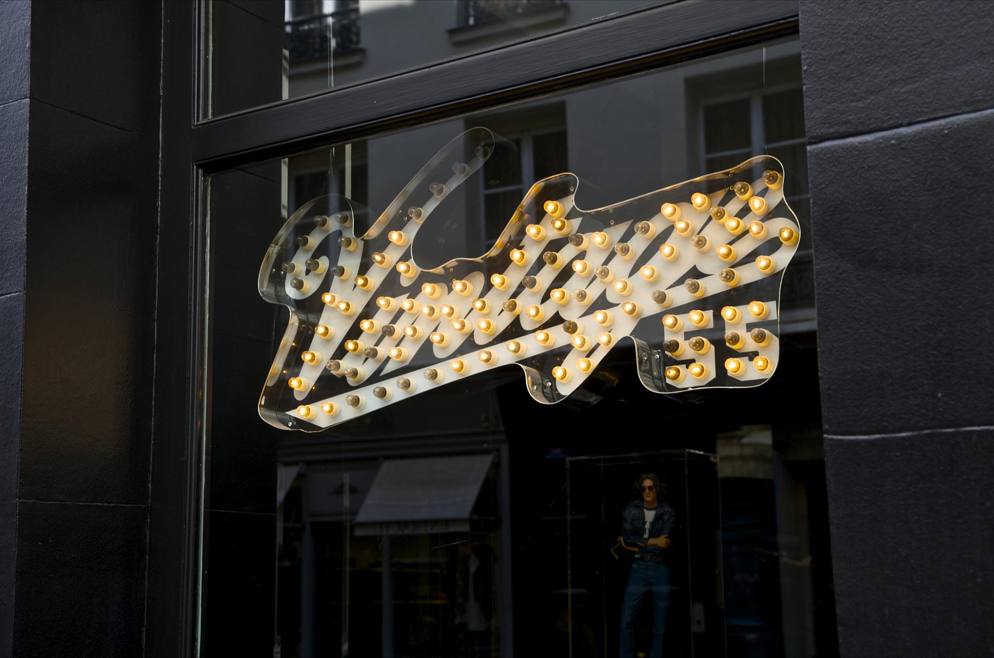 23 Rue Du Cherche Midi file:paris rue du cherche-midi no 015 - shop window vintage