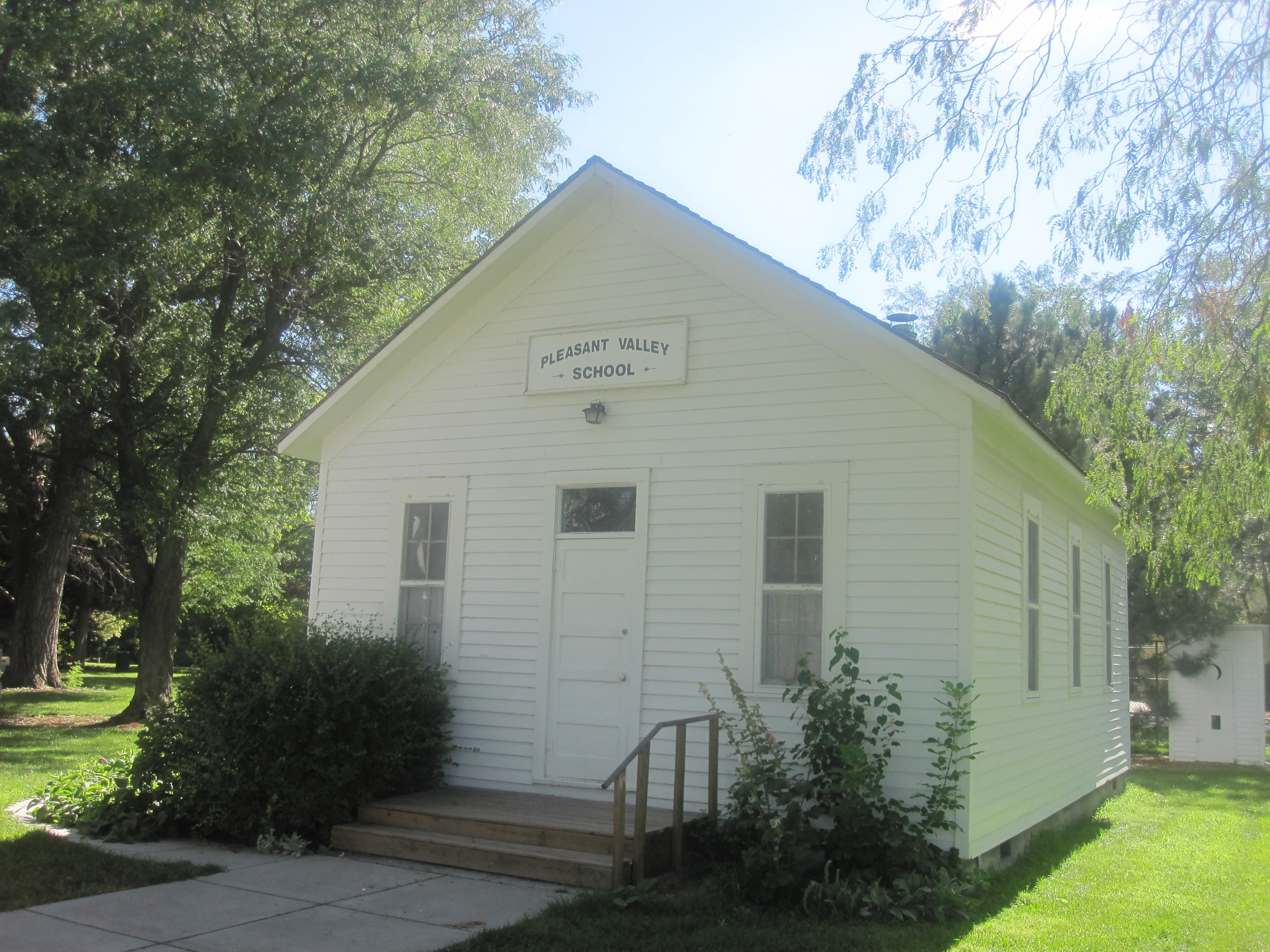 File:Pleasant Valley School, Garden City, KS IMG 5928.JPG ...