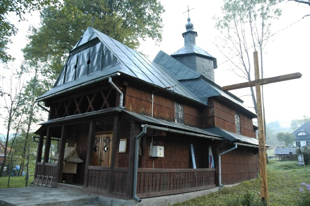 Archivo:Poland Rabe - wooden church.jpg