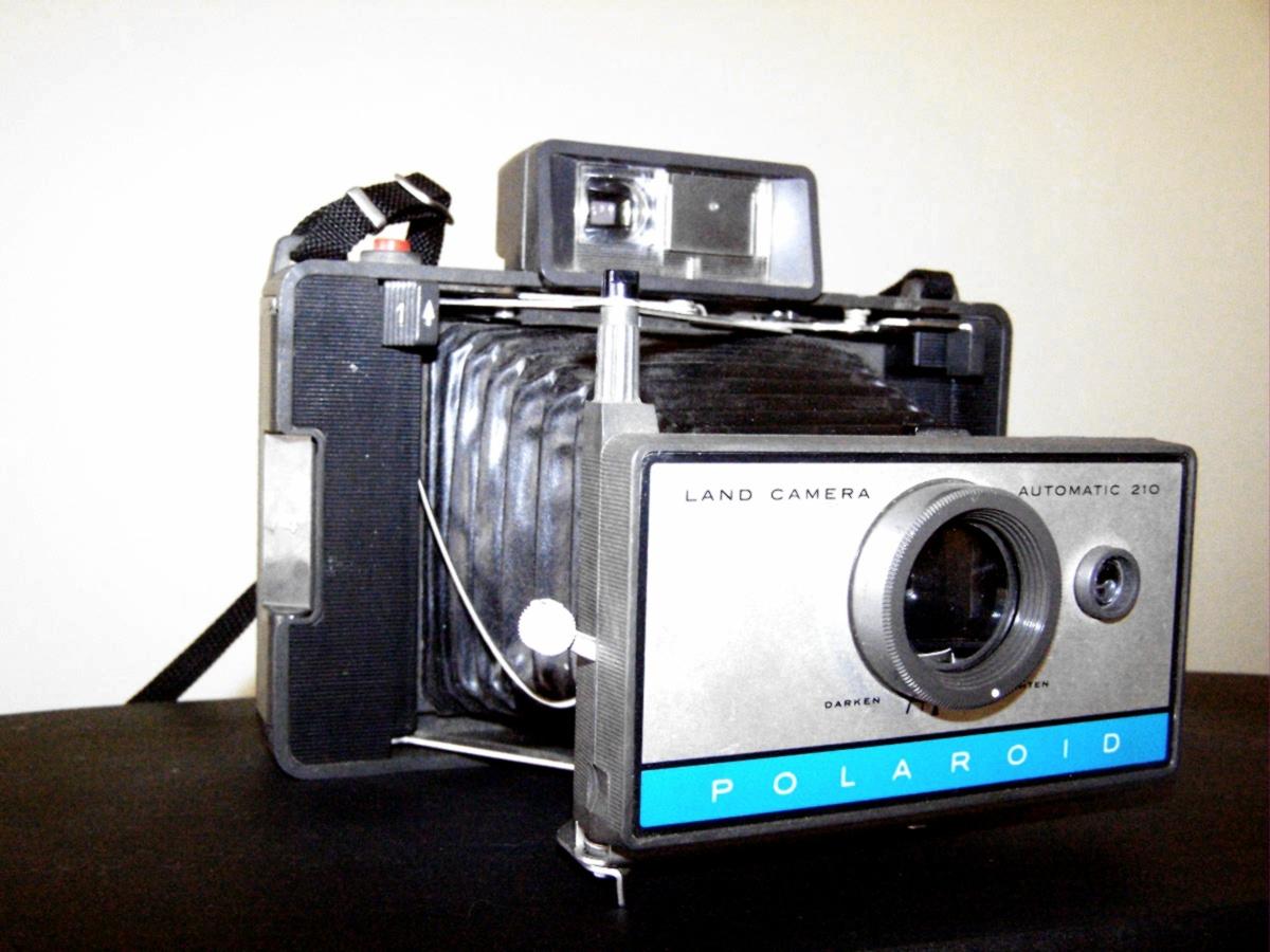 File:polaroid Automatic 210