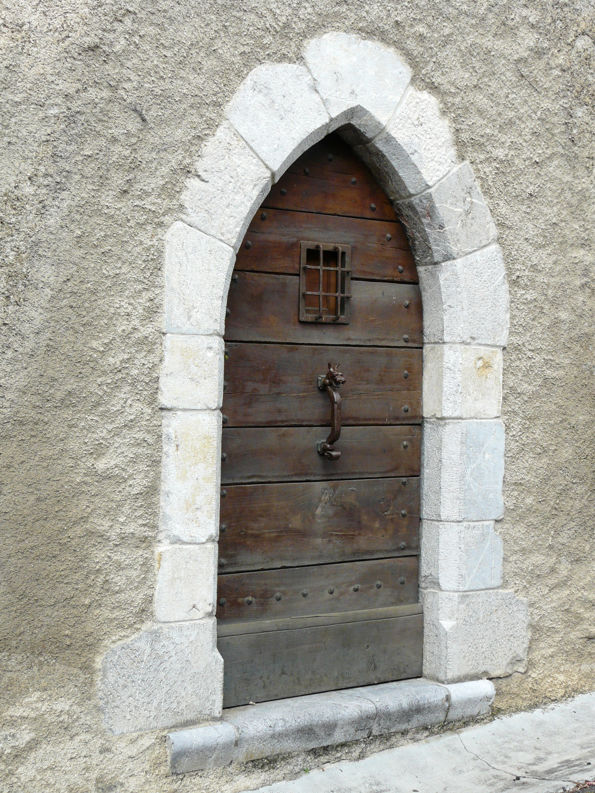 File saint bertrand de comminges porte ancienne 1 jpg for Armoire ancienne 1 porte