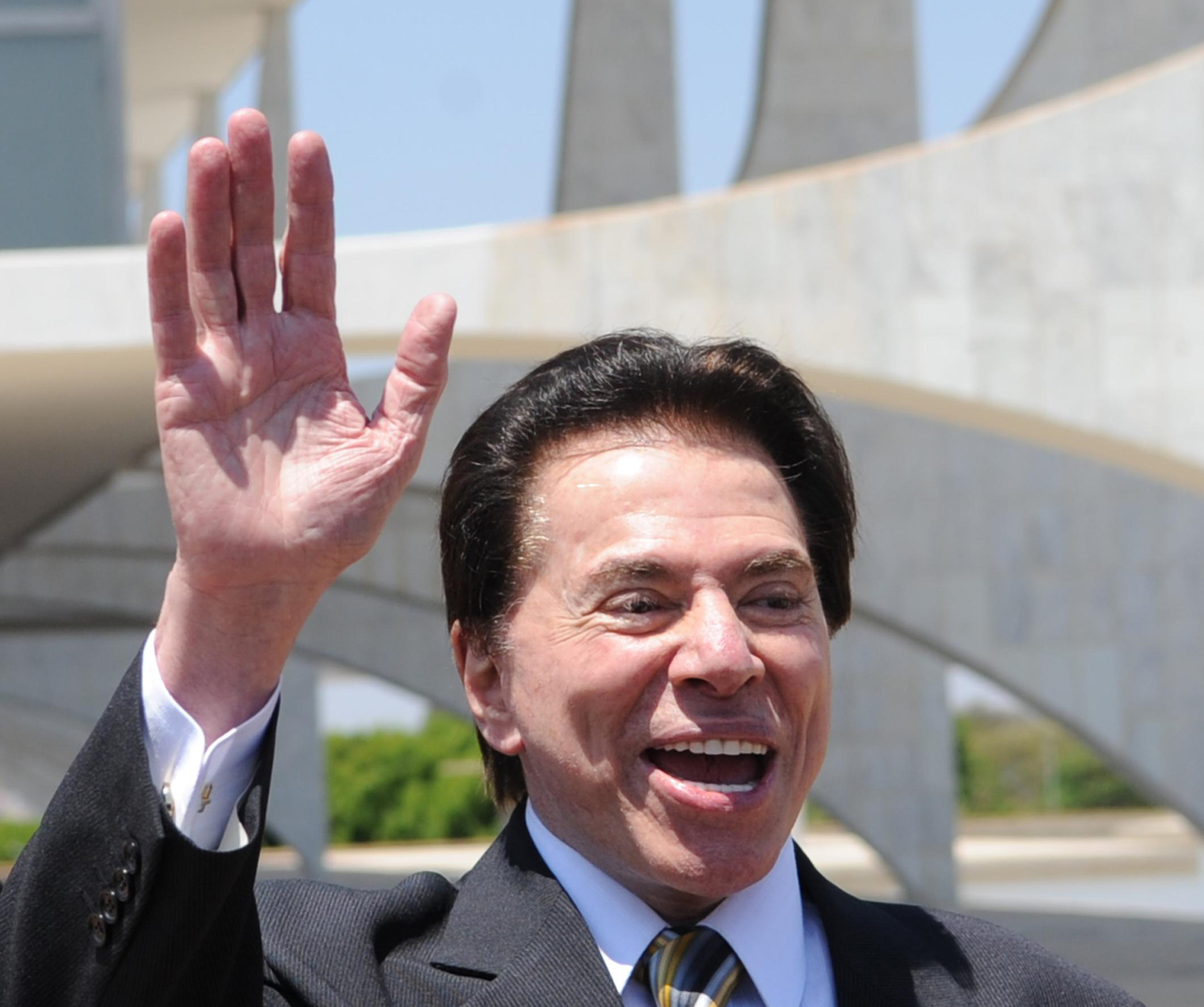 http://upload.wikimedia.org/wikipedia/commons/b/b0/Silvio_Santos1.jpg
