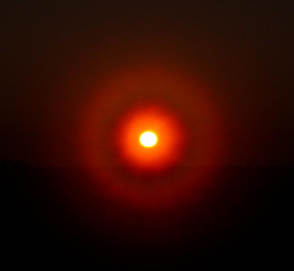 SolarDiffractionCorona.jpg
