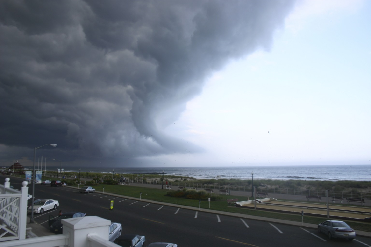 File:Storm Coming In - panoramio.jpg - Wikimedia Commons
