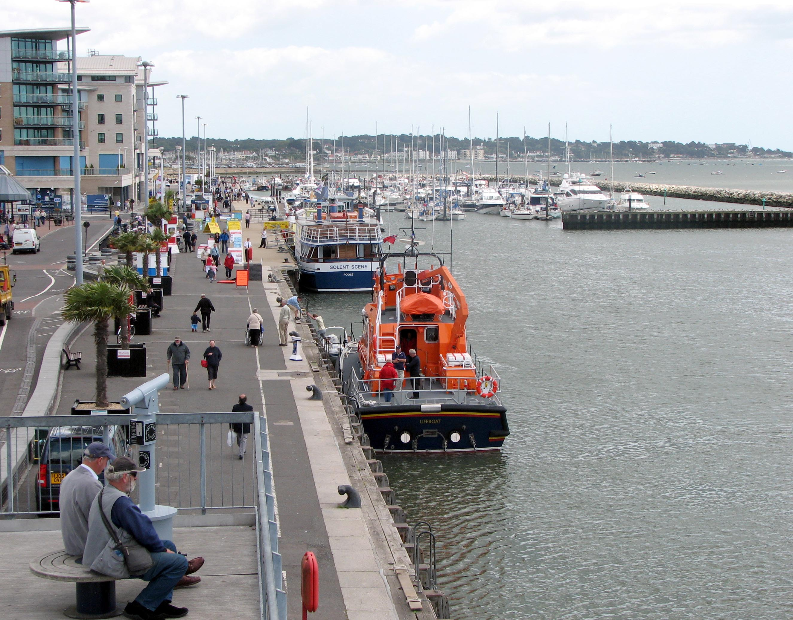 File The Quay At Poole Arp Jpg Wikimedia Commons