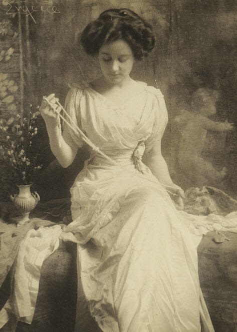 The Pearl Necklace 1900s.jpg