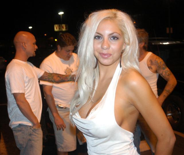 File:Tiffani DiGivanni at Porn Star Karaoke August 9, 2005 1.jpg
