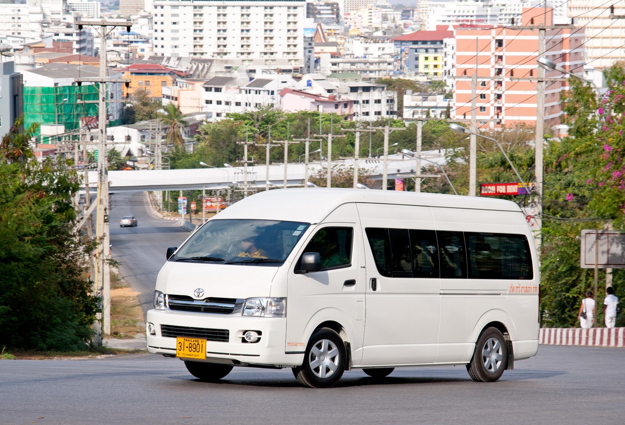 File Toyota Hiace In Pattaya Jpg