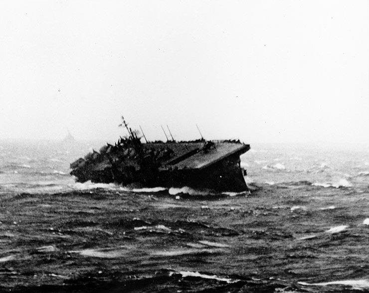 USS Langley (CVL-27) during Typhoon Cobra, December 1944.jpg