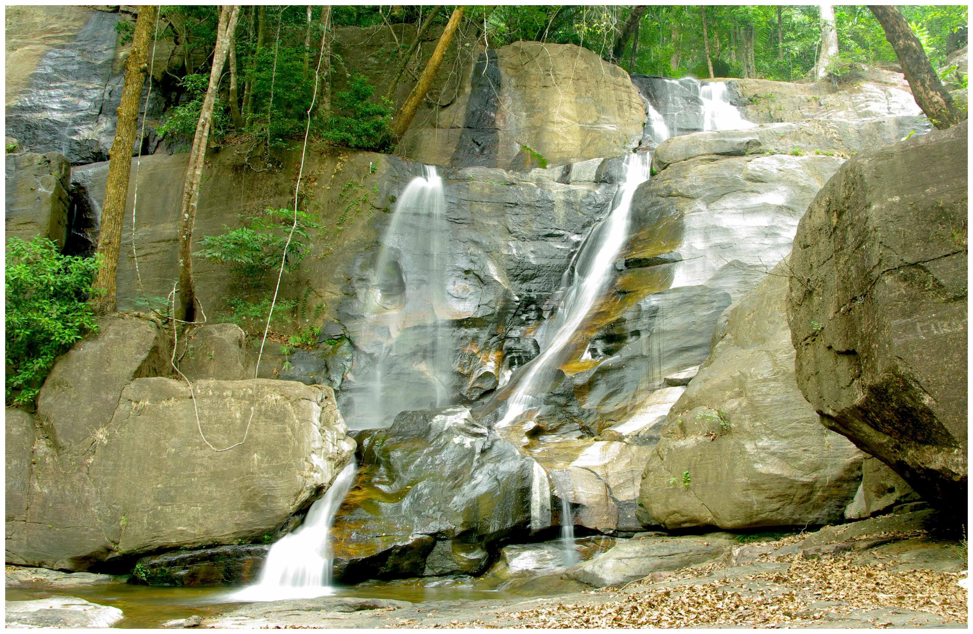 5 Best Waterfall Treks In India (2020) 6