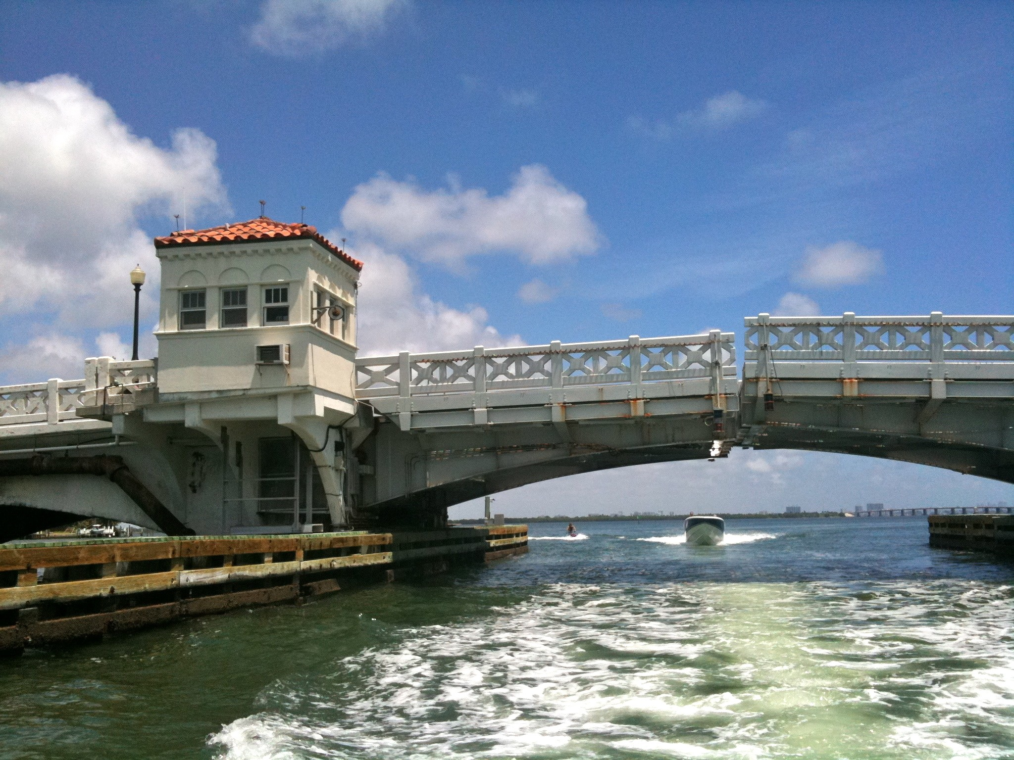File Venetian Causeway East Drawbridge Almost Closed After Having Raised For Boat Miami Beach
