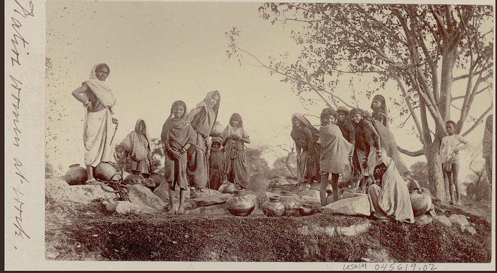 FileVintage Photo Of Indian Women And Girls Drawing Water