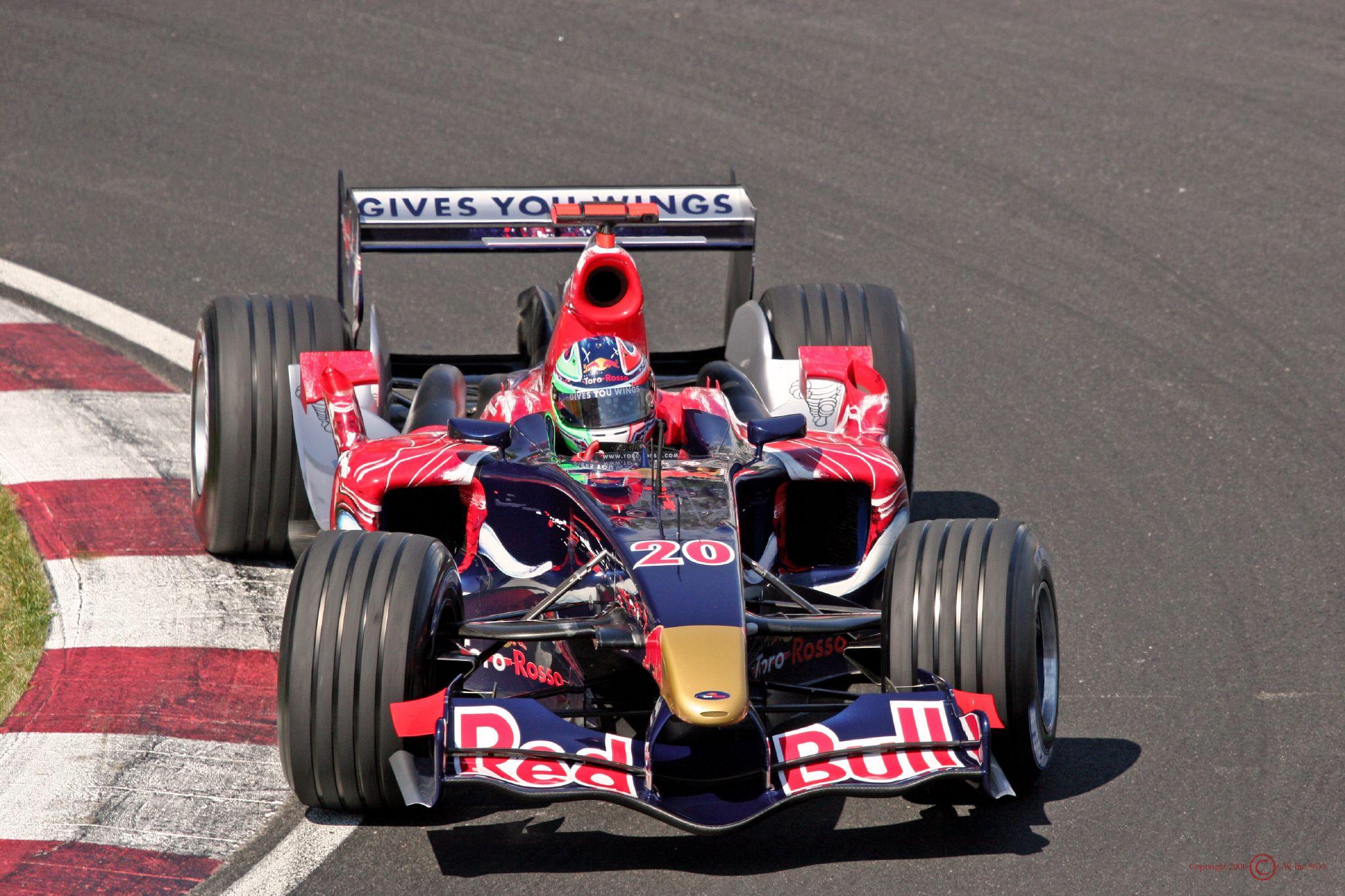 Equipe Toro Rosso de Formula 1 de 2006 - by wikipedia.org